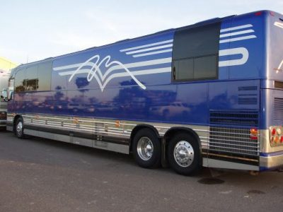 Alan Jackson Bus On Tour