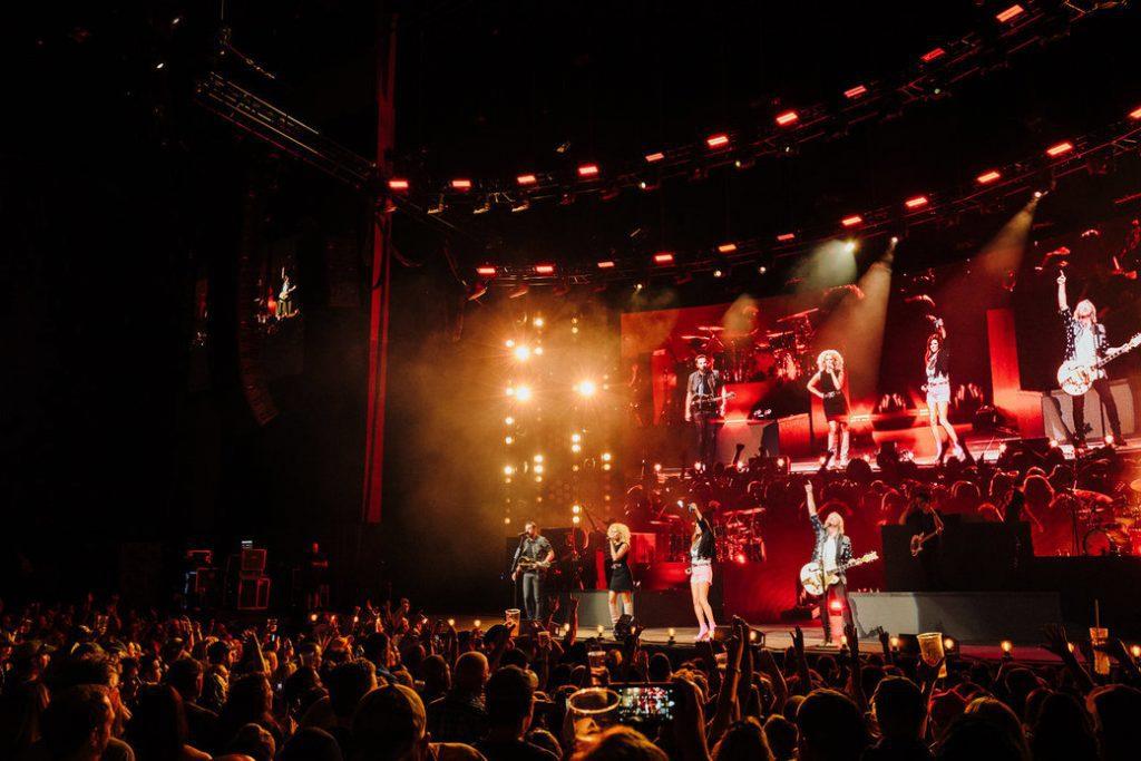 The Bandwagon Tour. Credit: Becky Fluke